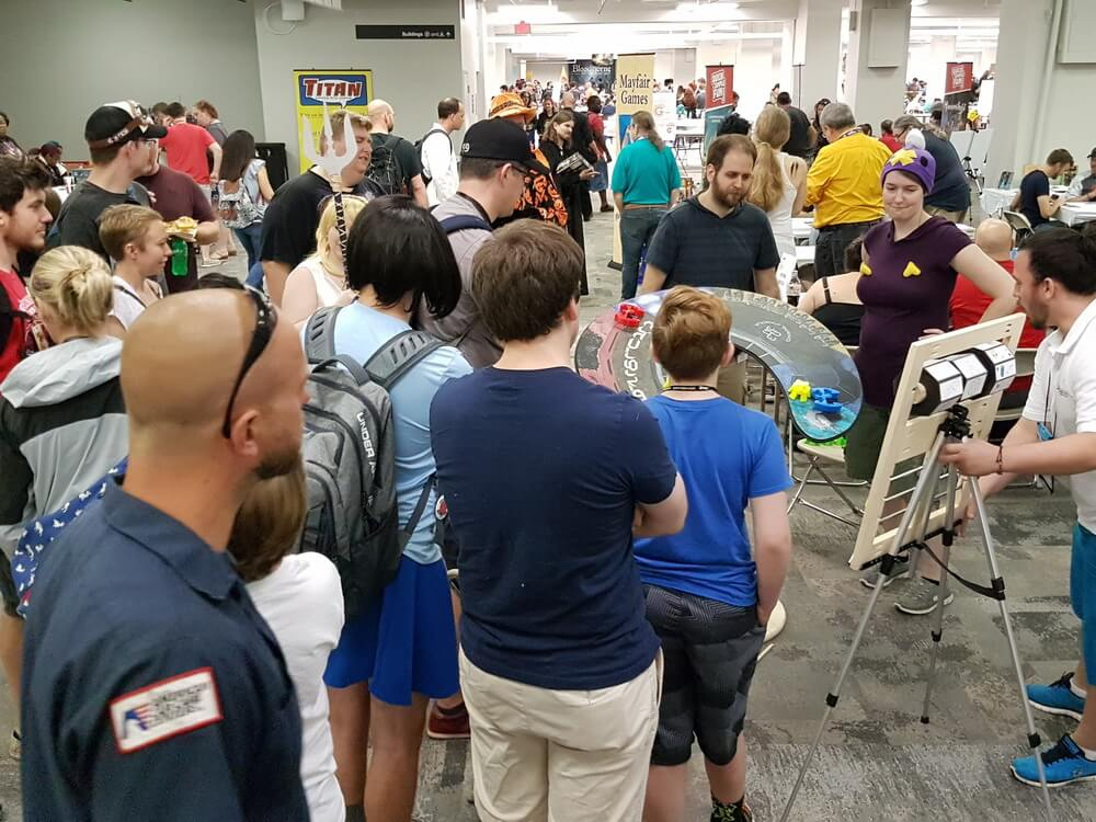 Drawing in come crowds at DragonCon 2017